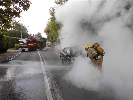 Birchwood firefighter tackles Warrington Road car fire