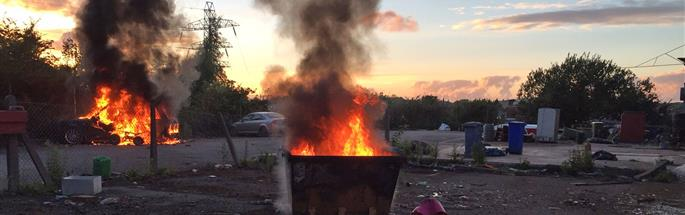 Large skip and vehicle fire in Widnes