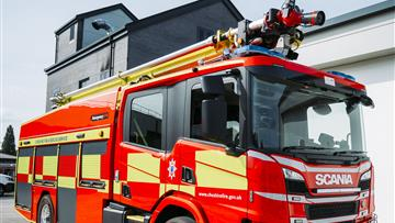 The Scorpion HRET is a fire engine with the ability to deliver water and foam from height