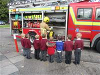 Elton Primary pupils being shown around the fire engine