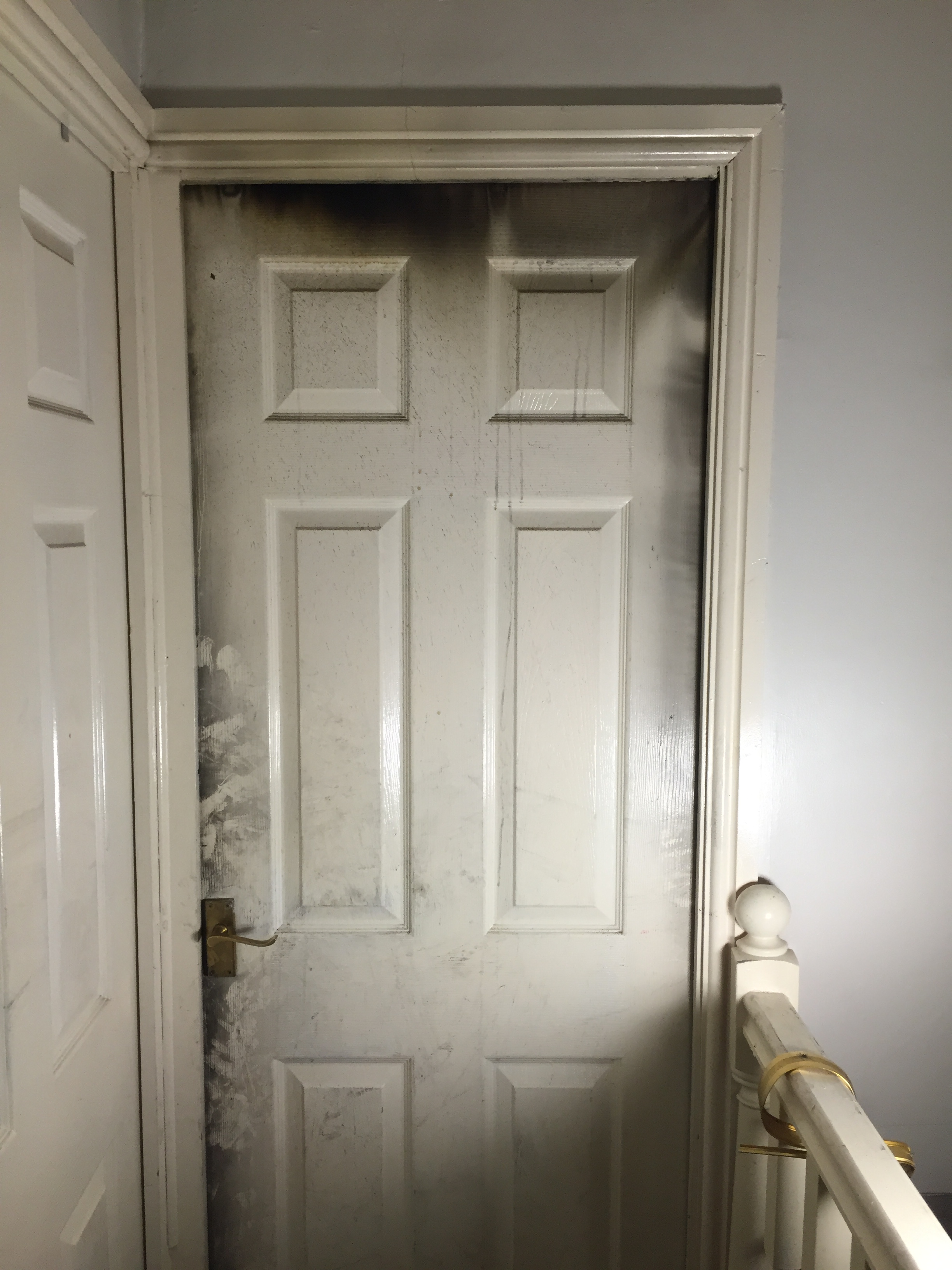 Close Door On Fire : Candle causes runcorn bedroom fire
